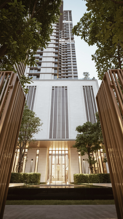 LIVING WITH CONTEMPORARY LUXURY STYLE AT THE ESSE ASOKE